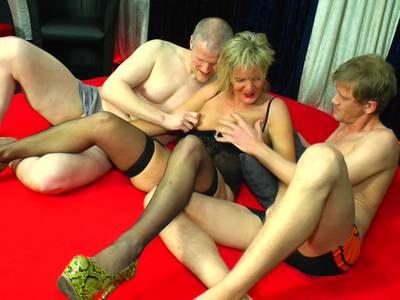 Ehefrau Im Swingerclub